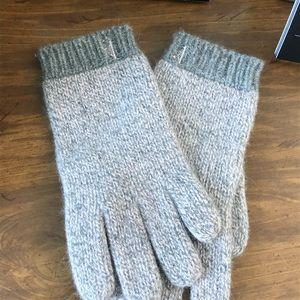 Ralph Lauren gloves never worn